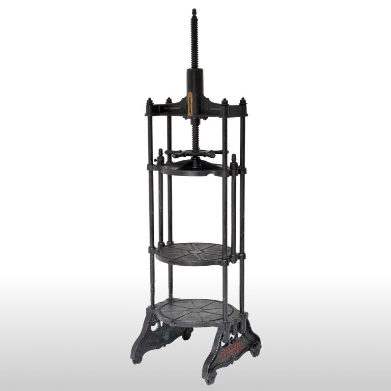 Antique English Cast Iron Cheese Press by Thomas Corbett of Shrewsbury, 1880 For Sale 1