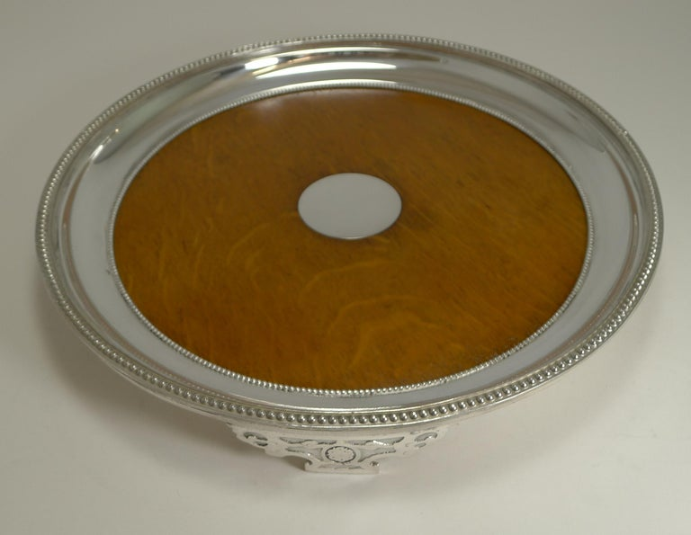 Antique English Circular Silver Plate and Oak Serving Tray, Registered 1871 In Good Condition For Sale In London, GB