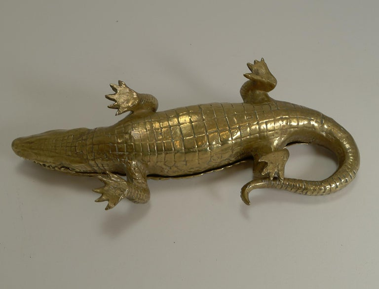 Late Victorian Antique English Crocodile / Alligator Inkwell / Desk Tidy, circa 1880 For Sale