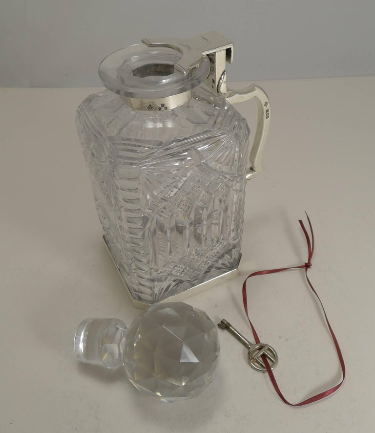 Antique English Cut Crystal and Sterling Silver Single Locking Decanter, 1898 For Sale 4