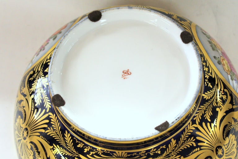Antique English Derby Porcelain Hand-Painted Floral and Gilt Cobalt Round Bowl For Sale 5