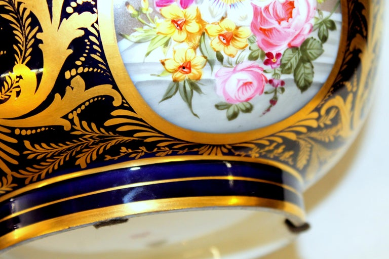 Antique English Derby Porcelain Hand-Painted Floral and Gilt Cobalt Round Bowl For Sale 6