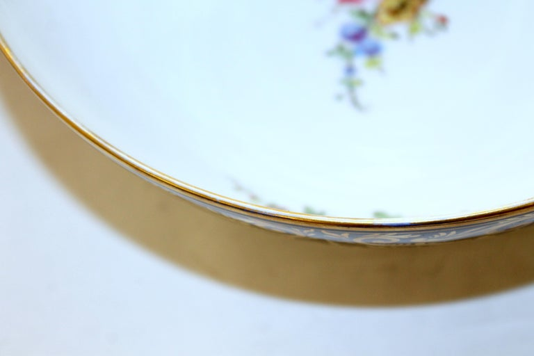 Antique English Derby Porcelain Hand-Painted Floral and Gilt Cobalt Round Bowl For Sale 7