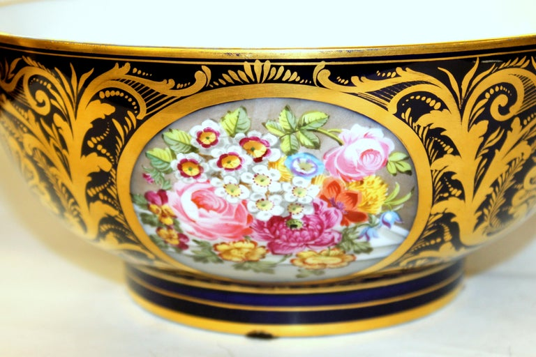George III Antique English Derby Porcelain Hand-Painted Floral and Gilt Cobalt Round Bowl For Sale