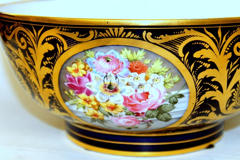 Antique English Derby Porcelain Hand-Painted Floral and Gilt Cobalt Round Bowl For Sale 1