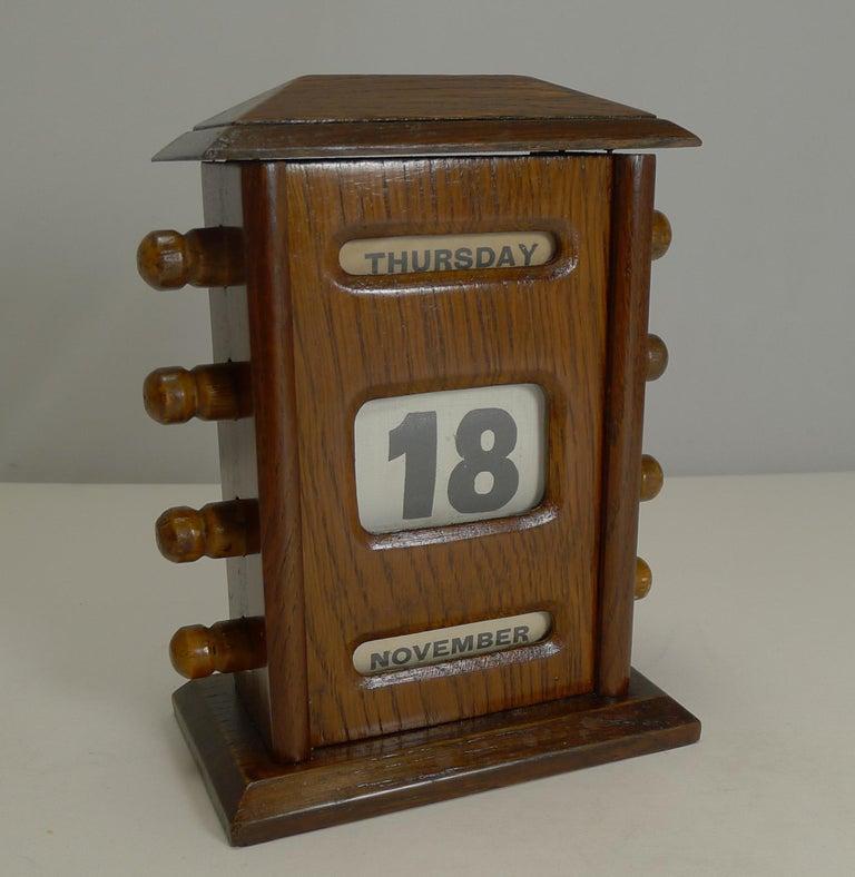 Edwardian Antique English Desk-Top Oak Perpetual Calendar, circa 1900 For Sale