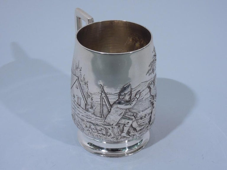 Antique English Edwardian Sterling Silver Baby Cup with Pastoral Scene In Excellent Condition For Sale In New York, NY