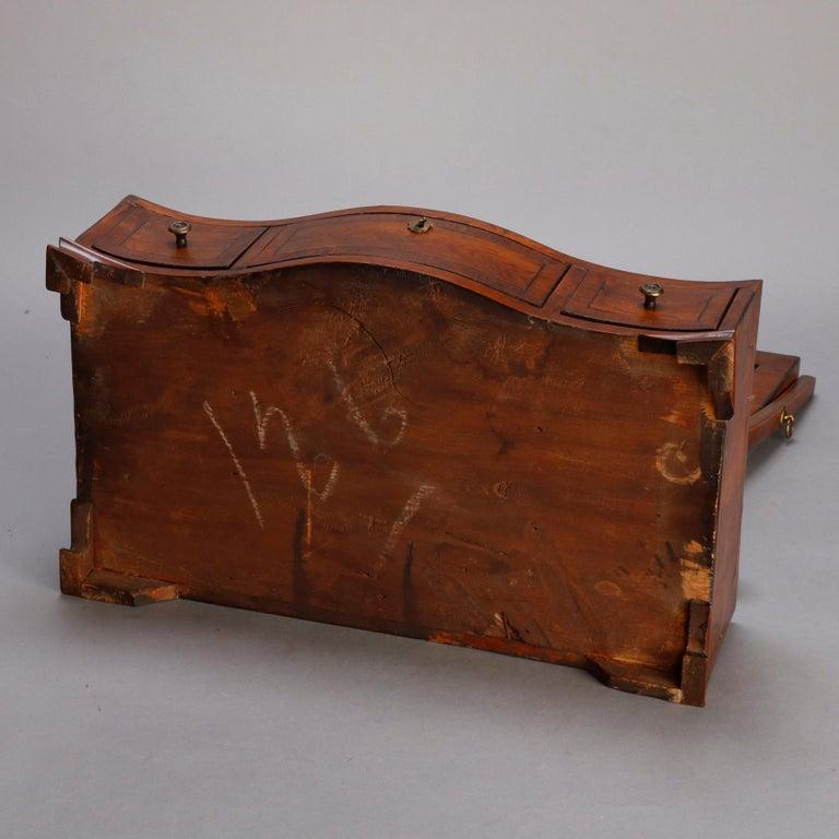 Antique English Georgian Flame Mahogany Shield Form Shaving Mirror, circa 1810 For Sale 1