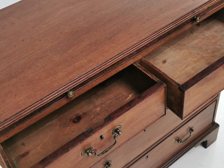 Antique English Georgian Mahogany Chest of Drawers In Good Condition In STOKE ON TRENT, GB