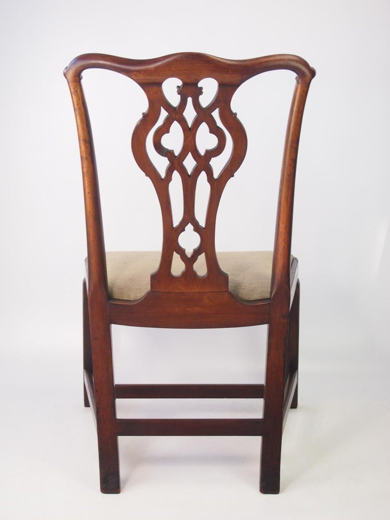 Hand-Carved English Georgian Mahogany Chippendale Chair, circa 1780 Dining Desk Chair For Sale