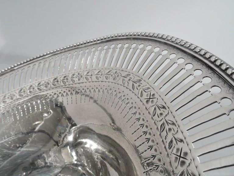 Antique English Georgian Neoclassical Sterling Silver Basket For Sale 1