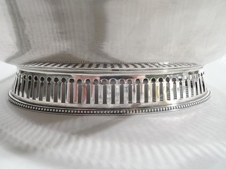 Antique English Georgian Neoclassical Sterling Silver Basket For Sale 2
