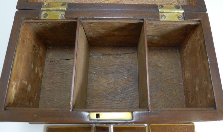 Antique English Inlaid Mahogany Tea Caddy, circa 1790 For Sale 3