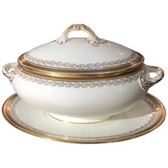 Antique English Large Soup Tureen with Under Plate, circa 1910