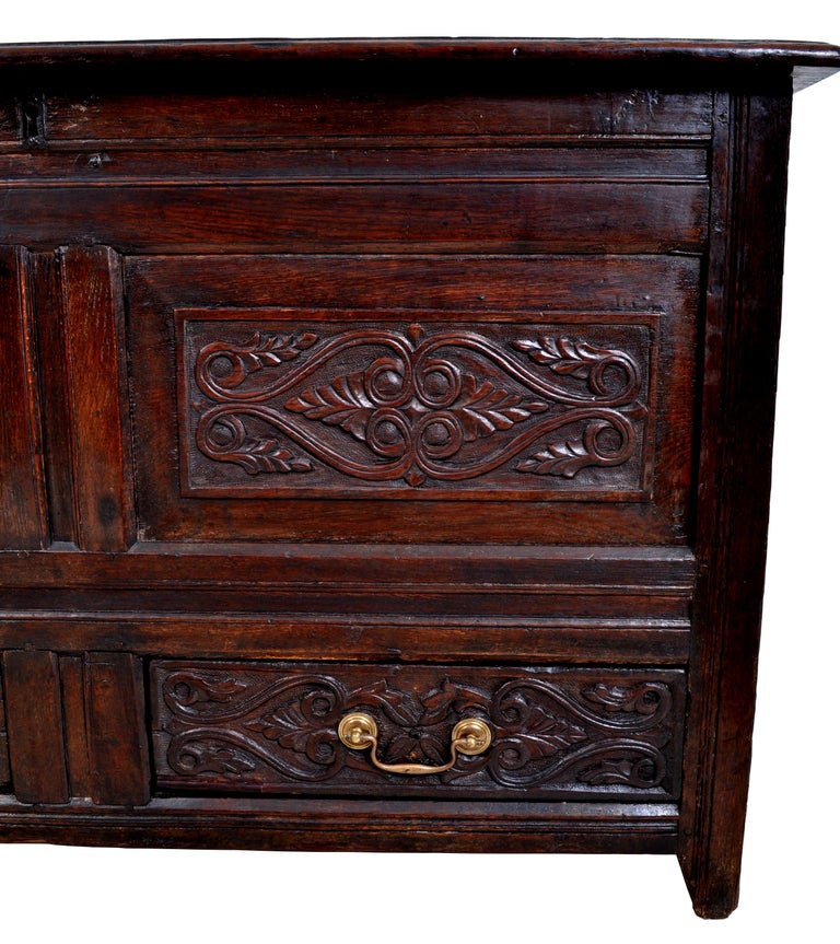 Antique English Late 17th Century Carved Oak Mule Chest / Coffer, circa 1680 For Sale 3