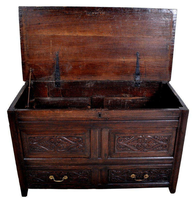 Antique English Late 17th Century Carved Oak Mule Chest / Coffer, circa 1680 For Sale 4
