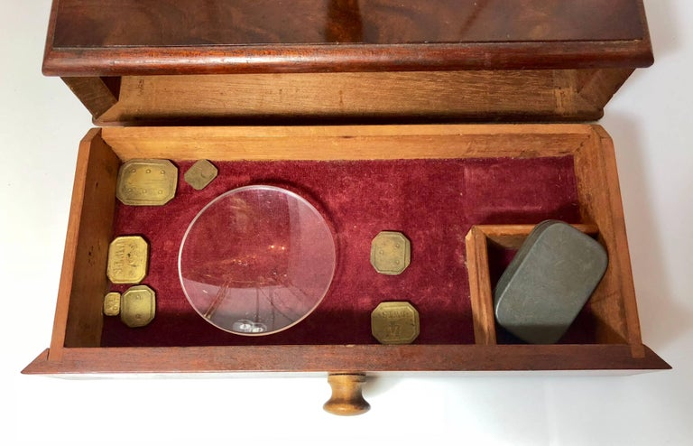 Antique English Mahogany and Brass Apothecary Scale Signed R. Avery Company In Excellent Condition For Sale In New Orleans, LA