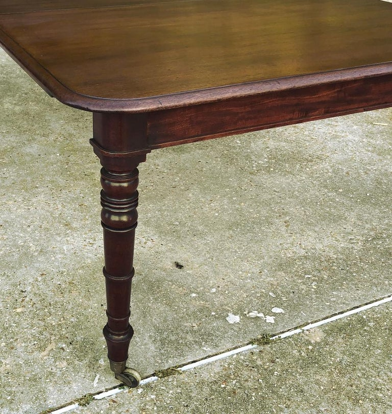 Antique English Mahogany Dining Table with Leaf For Sale 5
