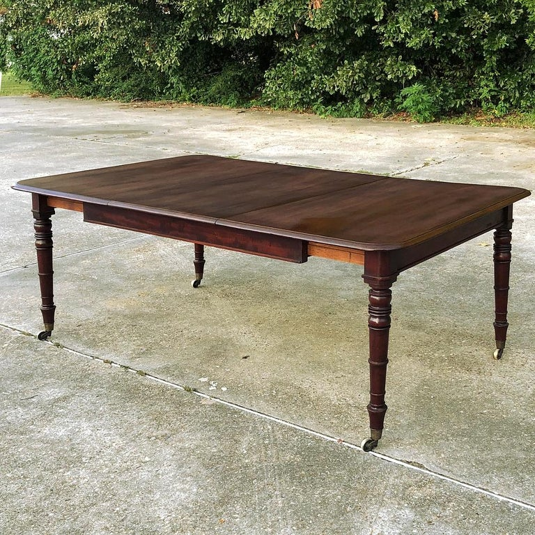 Antique English Mahogany Dining Table with Leaf In Good Condition For Sale In Dallas, TX