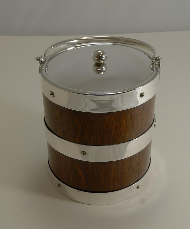 This particular late Victorian biscuit box or barrel lends itself to doubling as an ice bucket due to it's size and straight lines, take a look at the last photograph.