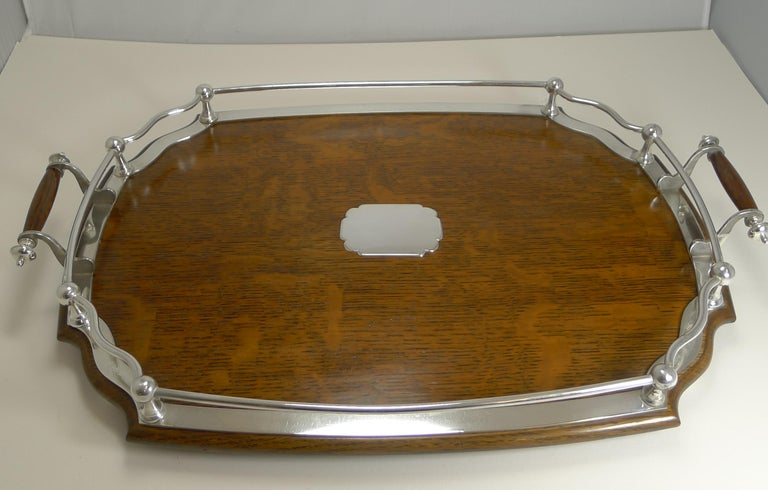 Antique English Oak and Silver Plate Drinks / Cocktail Tray, circa 1900 In Good Condition For Sale In London, GB