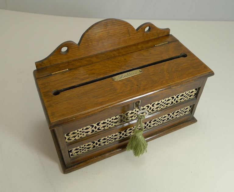 Antique English Oak and Brass Letters Box, circa 1890 For Sale 2