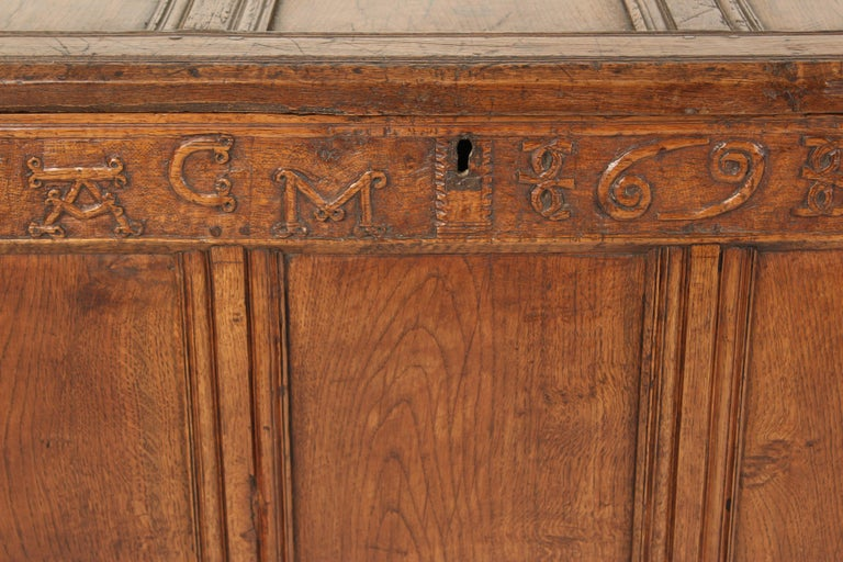 Mid-18th Century Antique English Oak Trunk For Sale