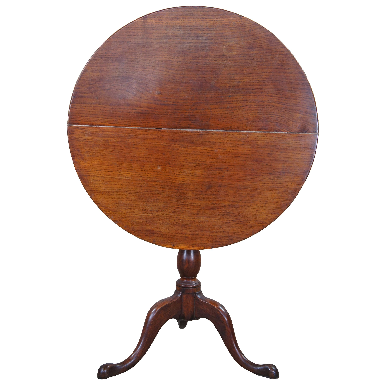 Antique English Queen Anne Round Oak Tilt Top Pedestal Accent Dessert Tea Table