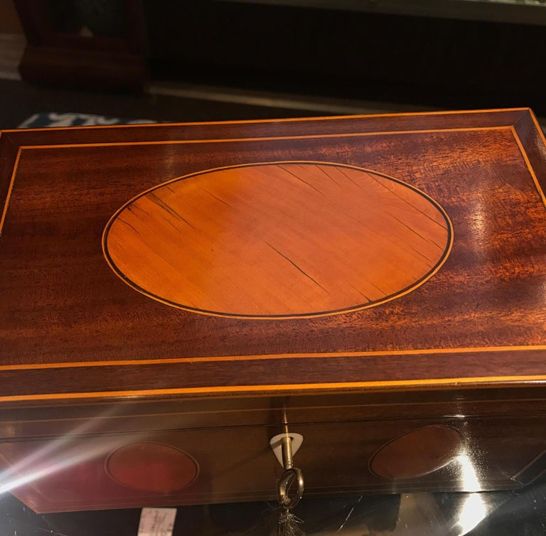 Ebony Antique English Regency Satinwood Inlaid Mahogany Box For Sale