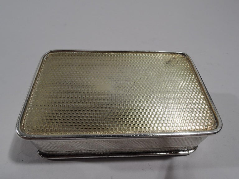 Early 19th Century Antique English Regency Sterling Silver Hunt Dog Snuffbox For Sale