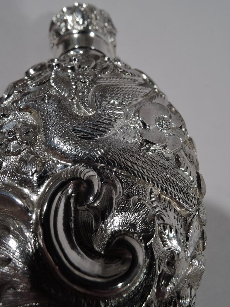 Antique English Repousse Sterling Silver Scent Bottle In Excellent Condition For Sale In New York, NY