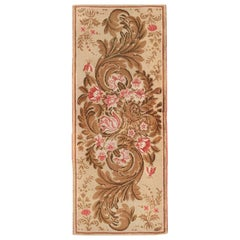Antique English Rug. Size: 2 ft 6 in x 6 ft 3 in (0.76 m x 1.9 m)