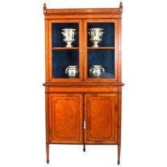 Antique English Sheraton Revival Satinwood Corner Cabinet, 19th Century
