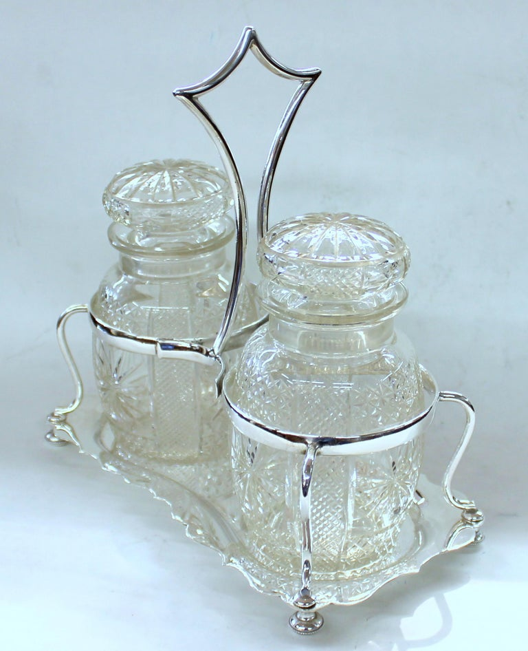 Antique English Silver Plate Hand-Cut Crystal Barrel Shape Double Jar Pickle Set In Excellent Condition For Sale In Charleston, SC