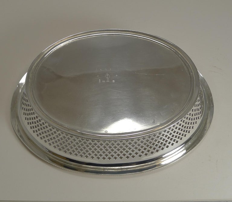 High Victorian Antique English Silver Plated Bread Basket by Atkin Brothers, Reg. 1873 For Sale