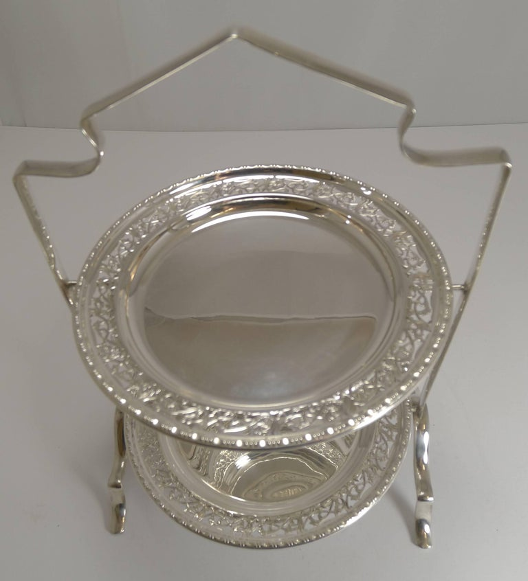 Edwardian Antique English Silver Plated Cake Stand, circa 1900 For Sale