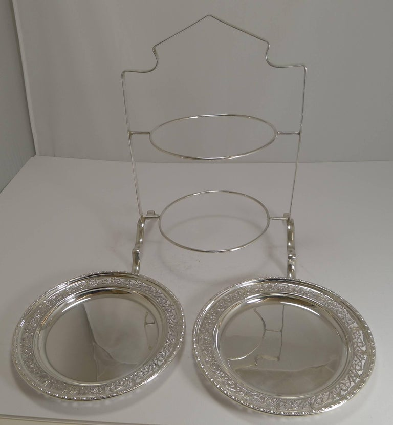 20th Century Antique English Silver Plated Cake Stand, circa 1900 For Sale