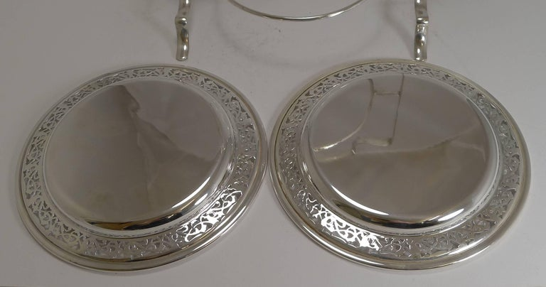 Antique English Silver Plated Cake Stand, circa 1900 For Sale 1