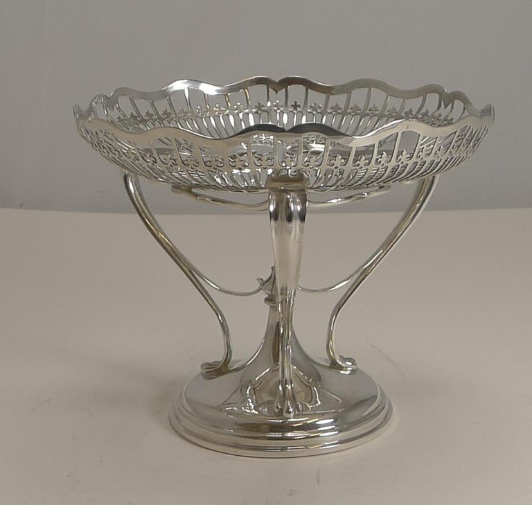 Antique English Sterling Silver Art Nouveau Reticulated Tazza / Bowl / Comport For Sale 7