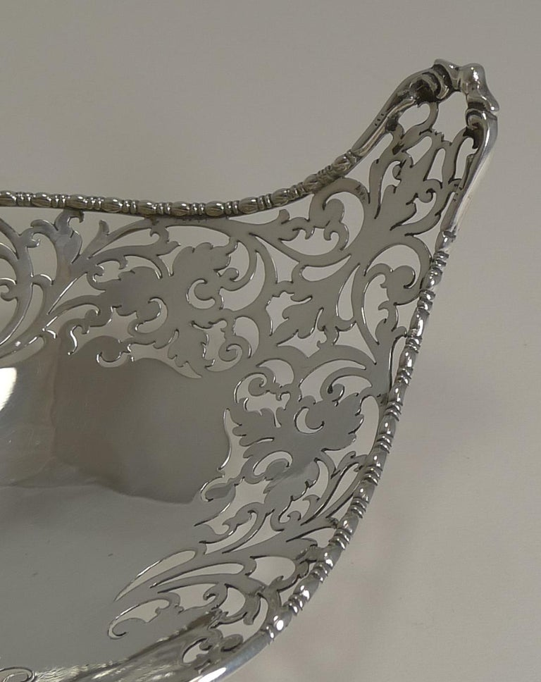 Early 20th Century Antique English Sterling Silver Basket or Dish, 1908 For Sale