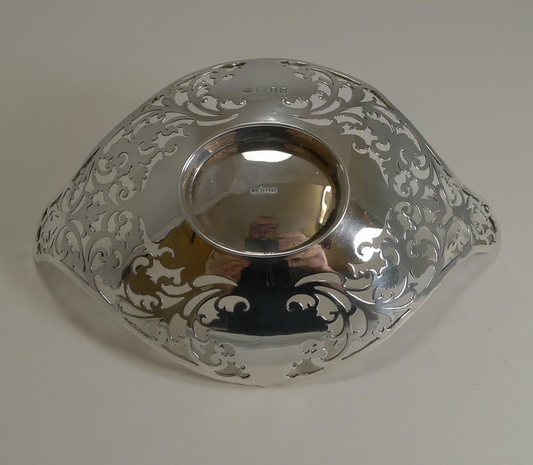 Antique English Sterling Silver Basket or Dish, 1908 For Sale 1