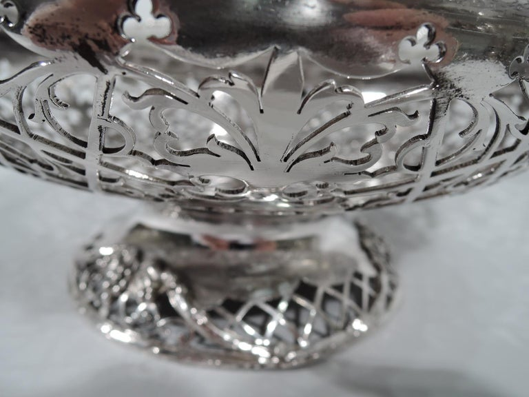 Early 20th Century Antique English Sterling Silver Centerpiece Grape Bowl For Sale
