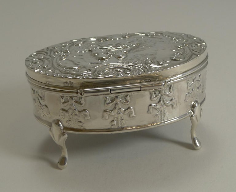 Early 20th Century Antique, English Sterling Silver Figural Jewellery/Trinket Box, 1905 For Sale