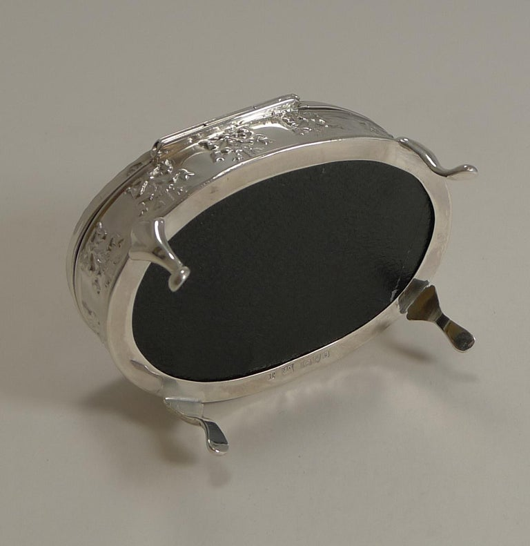 Antique, English Sterling Silver Figural Jewellery/Trinket Box, 1905 For Sale 1