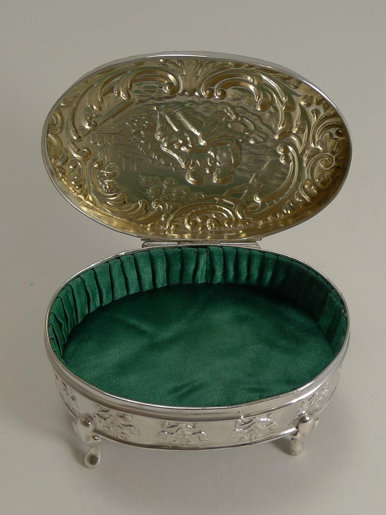 Antique, English Sterling Silver Figural Jewellery/Trinket Box, 1905 For Sale 2