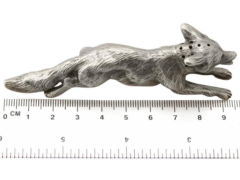 Antique George V English Sterling Silver Fox Pepperette, 1910 For Sale 4