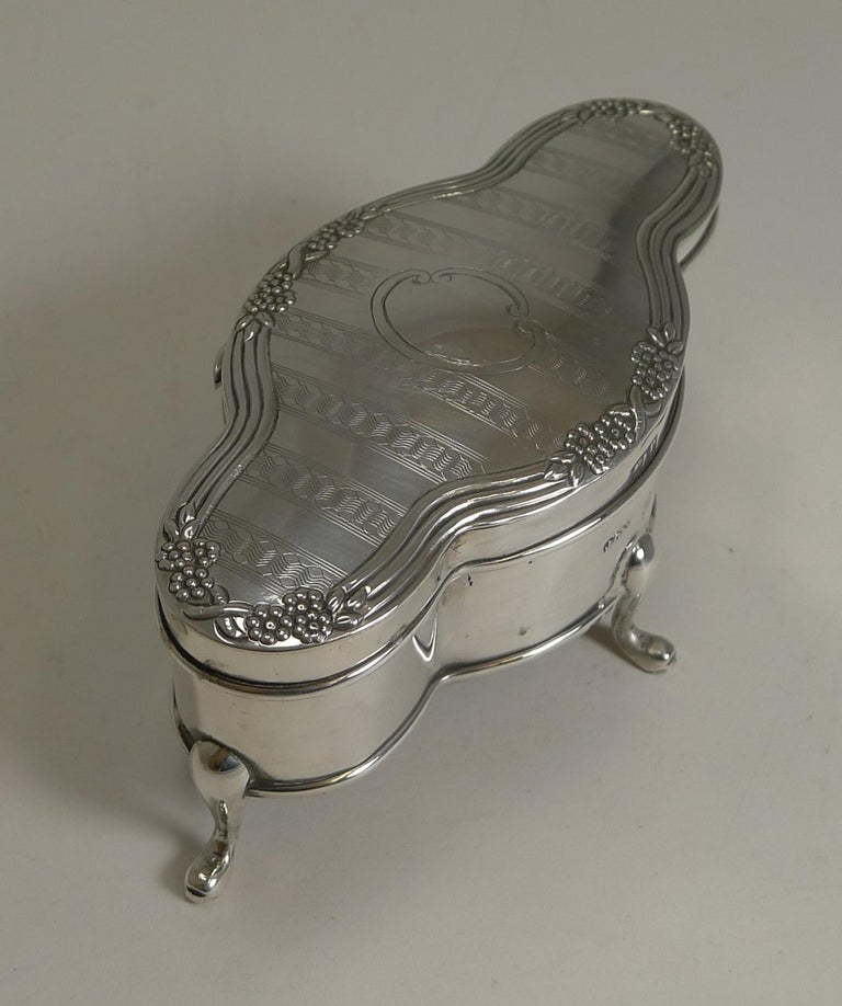 Antique English Sterling Silver Jewelry or Ring Box, 1914 ...