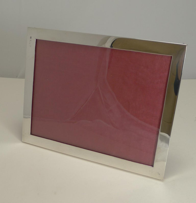 Antique English Sterling Silver Photograph Frame, circa 1910 For Sale 4