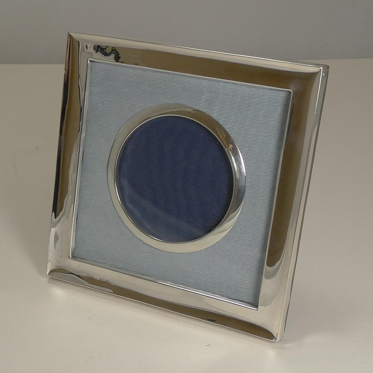 Edwardian Antique English Sterling Silver Photograph Frame, Chester, 1903 For Sale