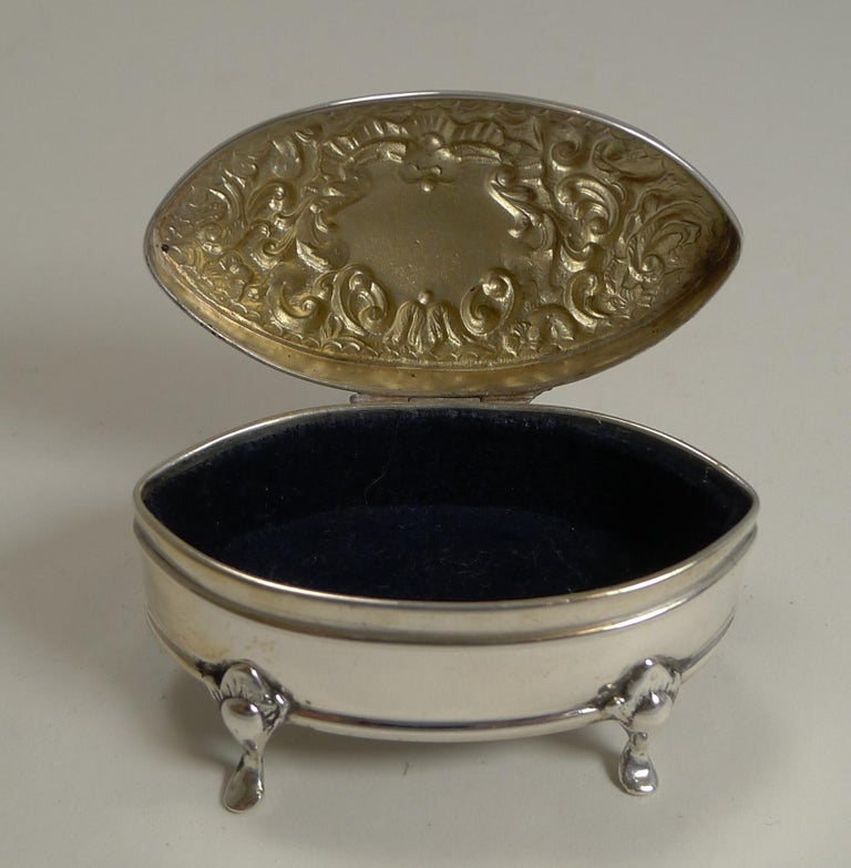 Antique English Sterling Silver Ring Box, 1905 For Sale 2